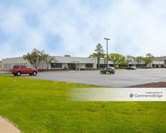 Oakland Commerce Commons - Madison Heights