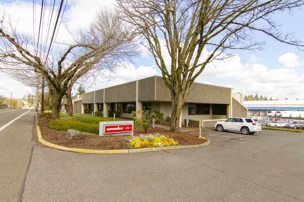 6433 SE Lake Road Office Building