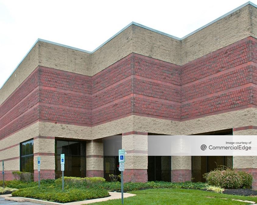Forest Park Corporate Center - 1220 Forest Pkwy