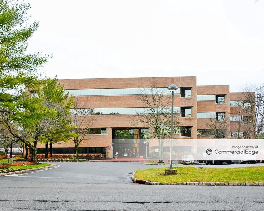 Somerset Hills Corporate Center - 10 Independence Blvd