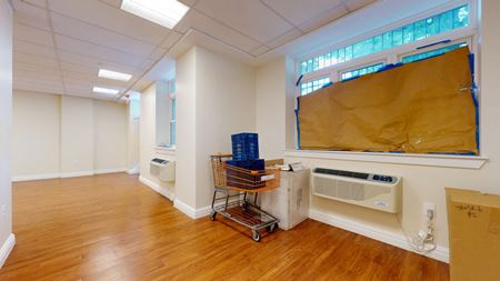 Medical / Community Space B - 692sf Space Photo Gallery 1