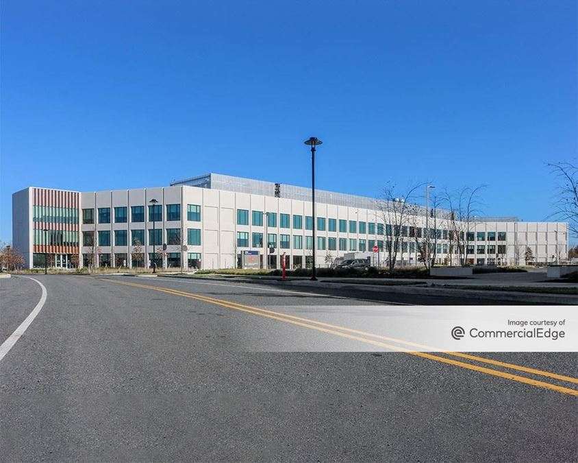 The Navy Yard - 400 Rouse Blvd