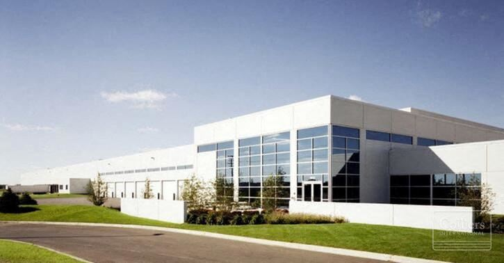 360,709 SF Available for Lease in Roselle, IL
