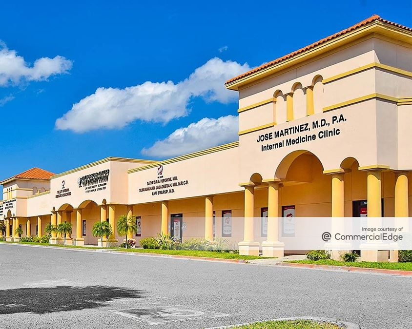 Lone Star Plaza - 2121 East Griffin Pkwy