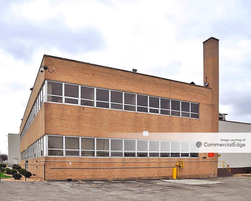 Crawford Industrial Park - 4220 South Kildare Avenue - North Building