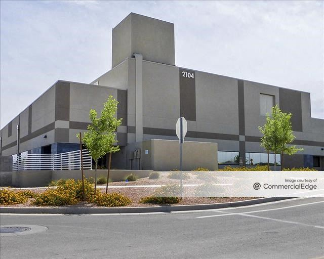 Discovery Business Campus - 2104 East Elliot Road