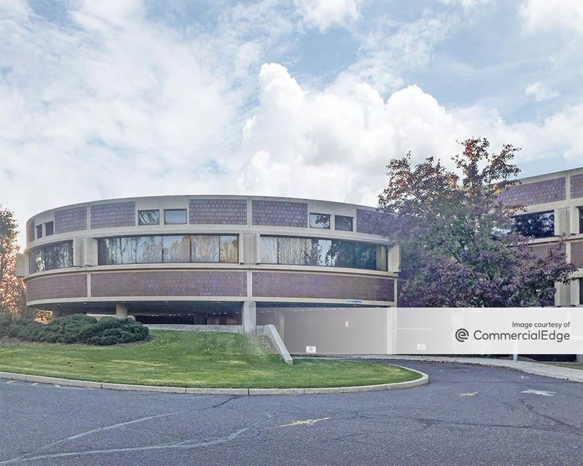 Sylvan Corporate Center 3 - 930 Sylvan Avenue