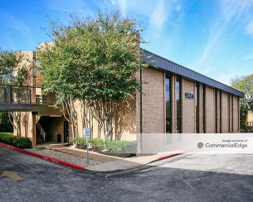 1524 I-35 Office Building