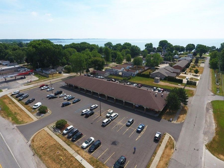 Lakepointe Square - Lease
