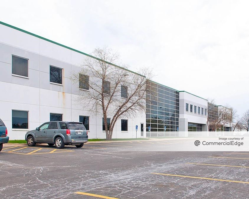 Turnberry Lakes Business Park - 200 North Gary Avenue