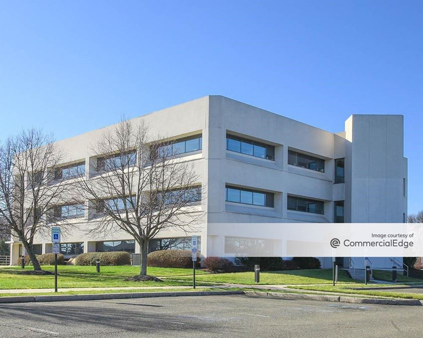 Princeton Pike Corporate Center - 1000 Lenox Drive