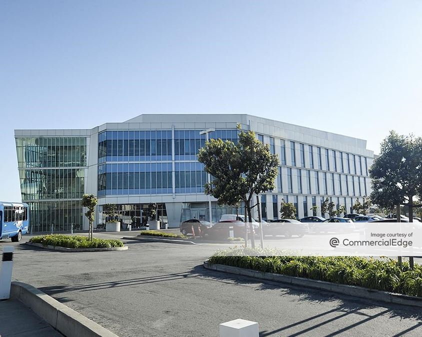 Alexandria Center for Science and Technology at Mission Bay - 400 East Jamie Court