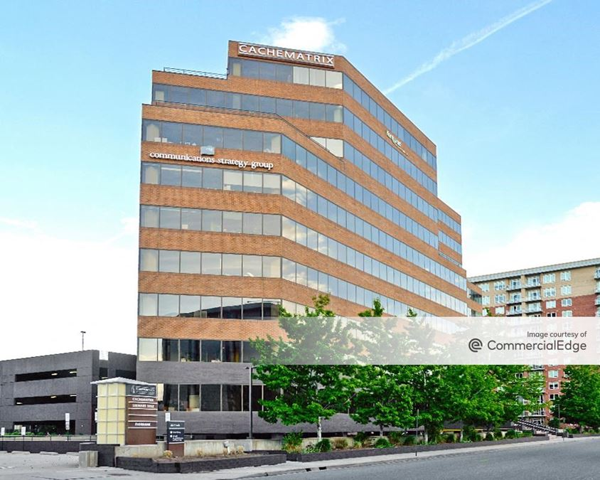 First Avenue Plaza of Cherry Creek