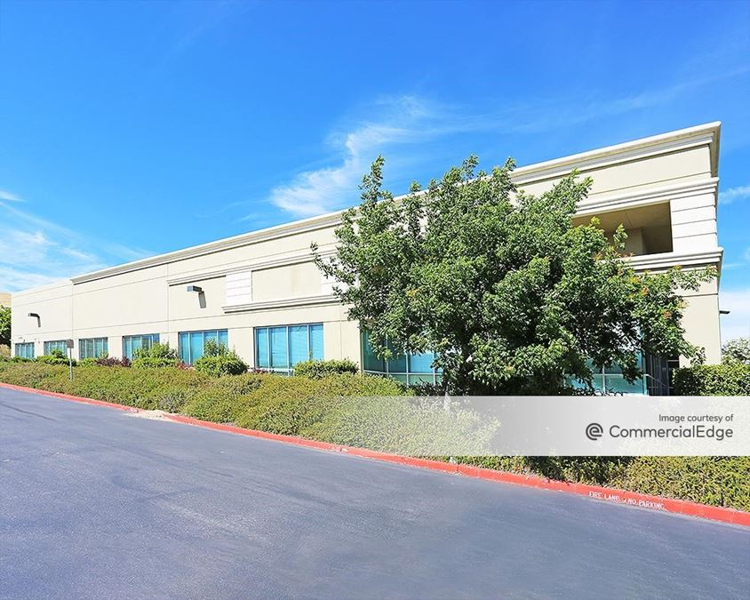 477 North Canyons Pkwy
