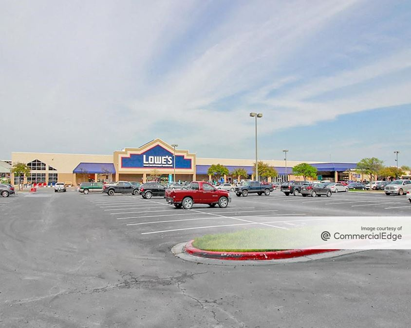 Stanssney Heights Plaza - Lowe's