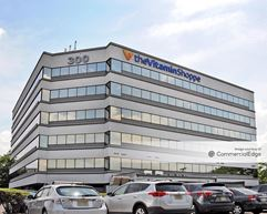 300 Harmon Meadow Blvd - Secaucus