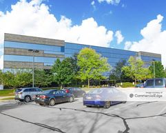Crossroads Corporate Center - 20700 Swenson Drive - Waukesha
