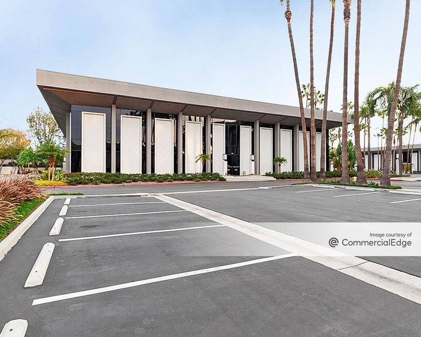 Tustin Financial Plaza - South & East Buildings
