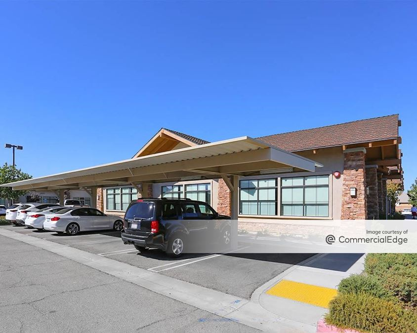 Antelope Valley Medical Plaza
