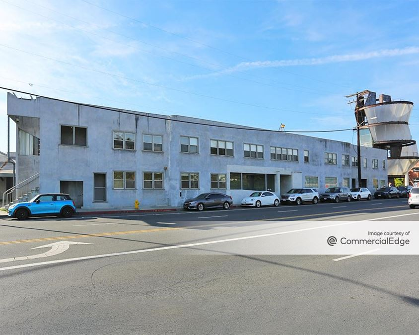 Conjunctive Points - What Wall & 3520-3526 Hayden Avenue