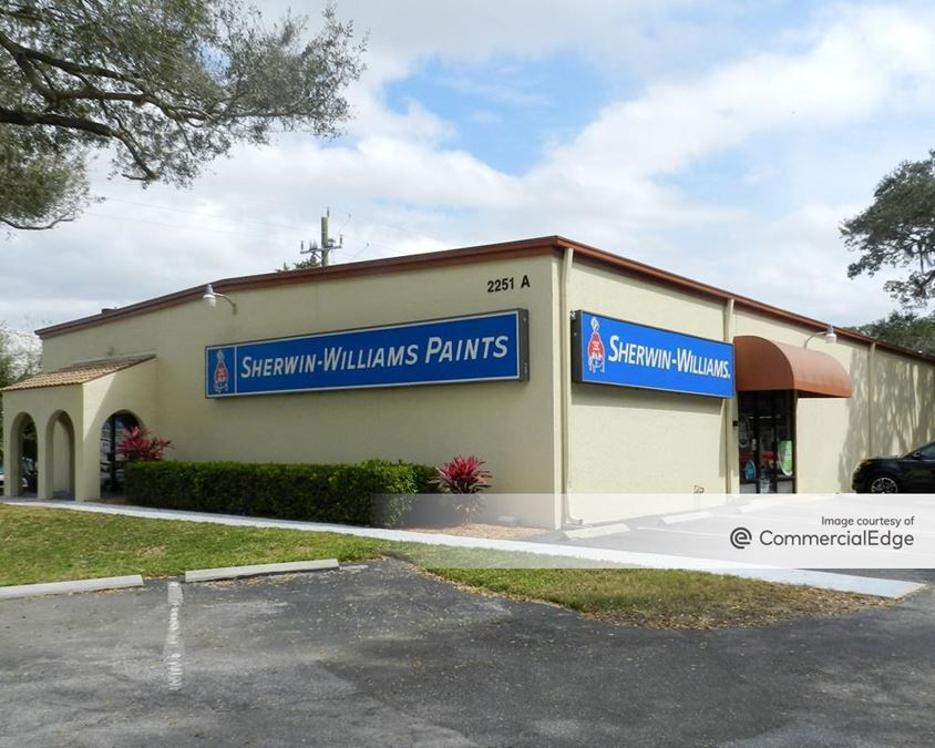 Live Oak Office Center & Live Oak Commerce Center