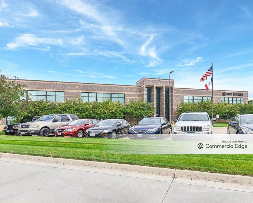 Crescent Chase Office Park - 8800 NW 62nd Avenue