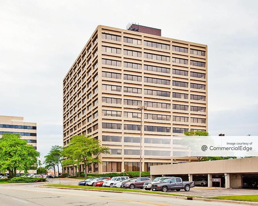 Woodfield Executive Plaza